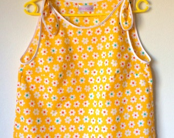 Shoulder-tie yellow retro summer top with flowers