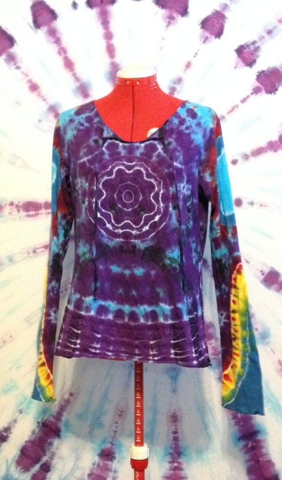 Tie Dye Shirt Long Sleeve Tee Flower Front Star Back in Womens XL