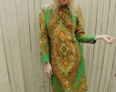 Paisley Dress // Boho Dress // Bohemian Mid Length Midi // BATIK Print // Festival Clothing // VIntage 1970s 70s // SMALL MEDIUM