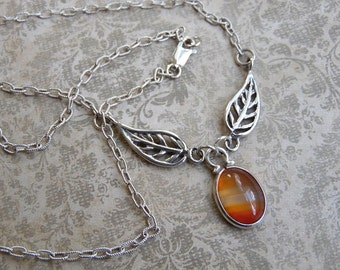 Sterling Silver Leaf and Agate Pendant Necklace