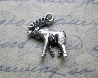 8 Moose Charms in Silver Tone - C2221