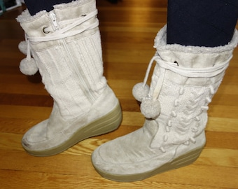 Futuristic beige suede boots high rubber platform wedge heel chunky cable sweater knit pom pom ties Star Wars / Max cosplay costume size 8.5