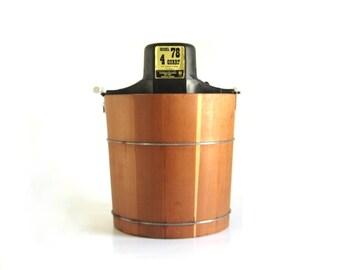 Wood Bucket Ice Cream Maker Richmond Cedar Works Model 78 Freezer 4 Qt RCW Sterling