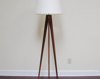Floor Lamp Tripod Slim - Walnut