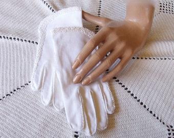 Vintage 50s Hand Beaded White Cotton Gloves . Easter Gloves . Church Gloves