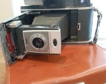 VINTAGE 1960s Polaroid 900 Electric Eye Land Camera