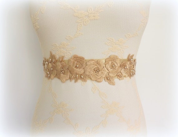 Champagne Elastic Waist Belt decorated with embroidered champagne flowers and champagne pearls. Floral Lace belt. Bridal belt.