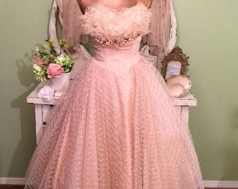 50s Prom Dress, 1950s Peach Cupcake Tulle Wedding Dress, Bombshell Shelf Bust, Velvet Flower Crumb Catcher, 50s Vintage Gown, Extra Small XS