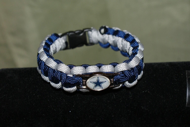 dallas cowboys paracord bracelet w cowboys charm blue and. Black Bedroom Furniture Sets. Home Design Ideas