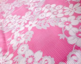 43 x 43 Pink & White Floral Flowers Vintage Fabric 60s Lattice