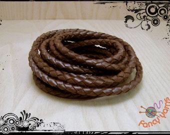 Tubular cord, braided leather brown, 6 mm diameter.