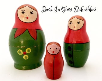 Nesting Dolls. USSR Vintage Nesting Doll. Miniature Red Babushka Button Maidens Zagorsk-type Russian Nesting Doll Set of Three.