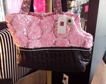 Luxurious Pet carrying bag