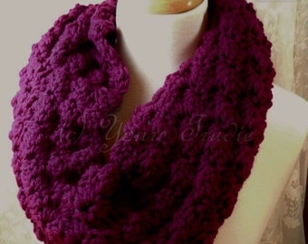 Crochet Scarf, Crochet Cowl, Chunky Cowl, Knitted Scarf, Handmade Winter Scarf, Circle Scarf, Berry Red Scarf, Gift for Her