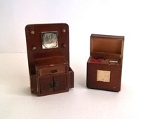 1940s Barton wooden dollhouse furniture, hallstand and radiogram