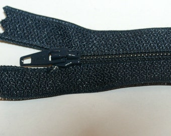 """Top Quality 8"""" (20 cm)  Closed End Nylon Zips - Navy"""