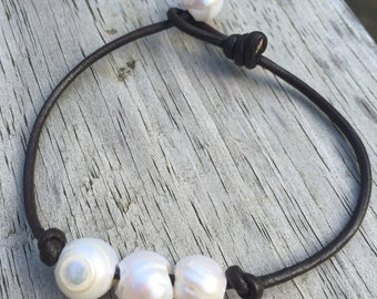 Leather Freshwater Pearl bracelet