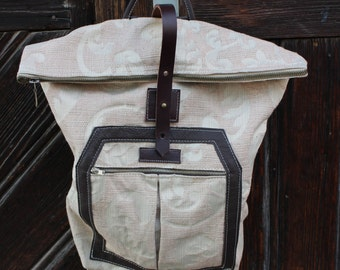 Light Backpack with leather details
