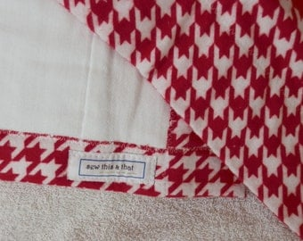 Red and White Houndstooth Burp Cloths
