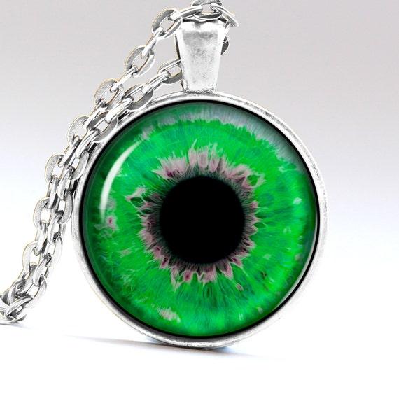 yeux vert meraude vert jade oeil yeux vert collier par. Black Bedroom Furniture Sets. Home Design Ideas