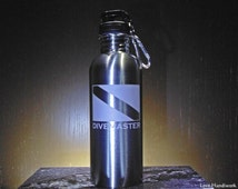 Scuba DIVEMASTER Dive Flag Etched Brushed Stainless Steel Bottle