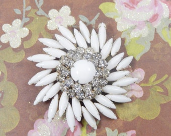 Vintage Beautiful 1950s JUDY LEE Signed Milk Glass and Rhinestone Flower Swirl Brooch Pin