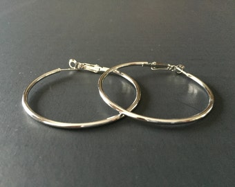 Simple big round hoop earring