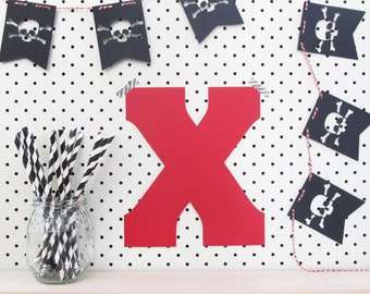 Pirate Party Bunting - Pirate Themed Birthday Banner. Jolly Roger Skull and Cross Bones. 8 x pirate flag 9cm high. Buy three 3 get one free.