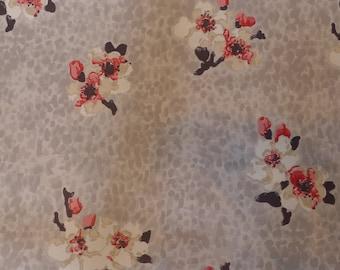 Vintage Wallpaper Leopard Blossoms Platinum