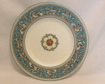"Fabulous-Vintage-Wedgwood-Bone China-Florentine-Turquoise-Dragon-Made In England-10 3/4""-W2714-Dinner Plate"