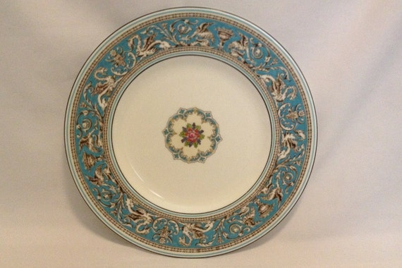 "FREE SHIPPING-Fabulous-Vintage-Wedgwood-Bone China-Florentine-Turquoise-Dragon-Made In England-10 3/4""-W2714-Dinner Plate"