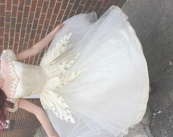 Vintage Ivory and White Tulle Wedding Dress