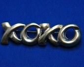 Vintage Hugs and Kisses XOXO Silver Plated Brooch Pin
