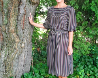 Vintage 80s Black/Multicolored Striped Dress with matching Belt