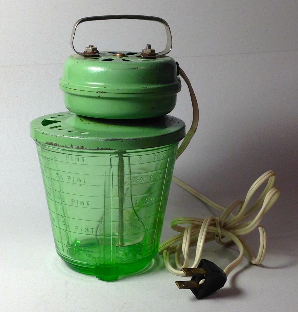1930's Depression Green Uranium Glass Vidrio Measuring Cup