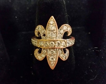 Brasstone ring with rhinestones