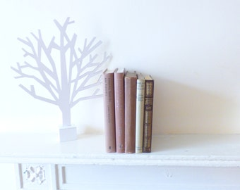 Home decor books by colour / Instant library - brown