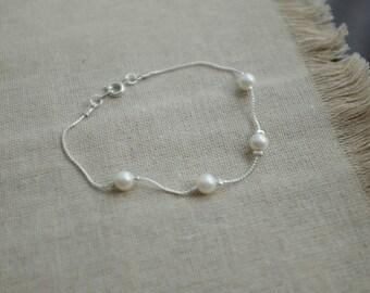 Delicate Pearl Bracelet - 4