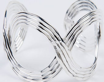 Shimmery Waves Cuff - Silver