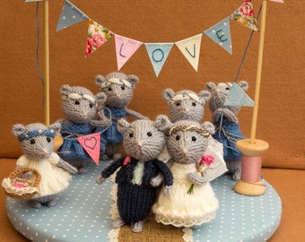 knitted mice wedding cake toppers items similar to together furever custom taxidermy mice 16653