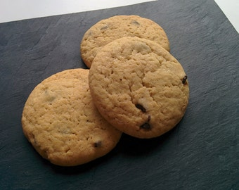 12 chocolate chips cookies