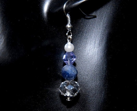 Beautiful Drop Earrings made of Natural Sapphire Gemstone Beads with Crystal Glass and other accent beads on Silver Hooks. FE-016