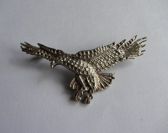 "Large vintage sterling silver pin, heavy silver flying eagle brooch. Fully hallmarked Birmingham 1987. Finely detailed. 15.9 grams 2.6"" wide"