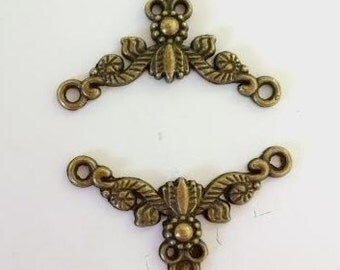 10 Bronze Floral Vine Scrolls 26mm x 15mm Finding Connector Jewelry Supplies - 25G