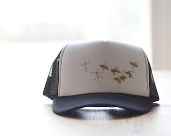 Robot bee trucker hat