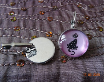 Pink cat cabochon earrings black