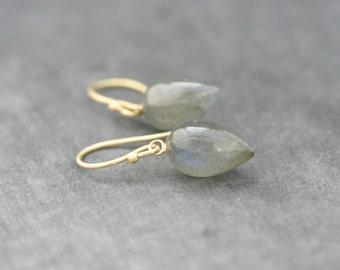 Earrings 18 kt gold, Labradorite