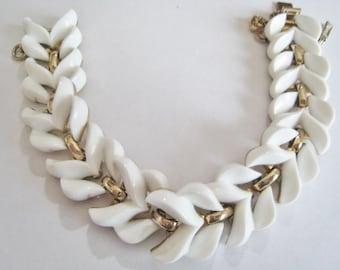 Monet Plastic White Bracelet