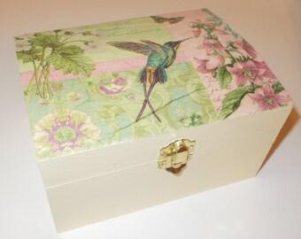 Shabby Chic Cream Jewellery Trinket Box Hummingbird decoupage