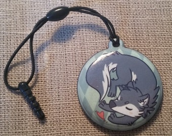 Wolf screen cleaner charm